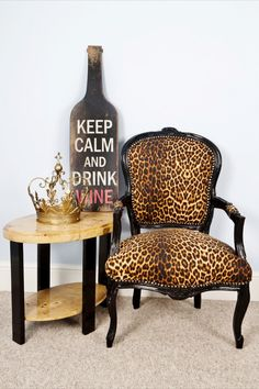 pictures of leopard chairs | Louis Gold Leopard - Leopard Print Louis Style Salon Chair with Black ...