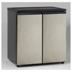 "Avanti under-counter, side by side frig/freezer, 5.5 cubic feet fresh/refrigerator, 3.3 frozen, 33"" x 31"" x 23"""