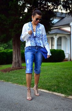 10 Bermuda Shorts Looks to Try this Summer Bermuda Shorts Outfit, Summer Shorts Outfits, Crop Top Outfits, Mode Outfits, Denim Shorts, Cute Fashion, Denim Fashion, Fashion Outfits, Fashion Clothes