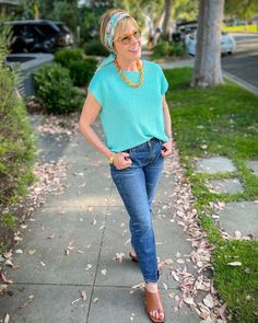 Classic tee, jeans, sandals and stylish accessories | Photo shared by Susan Blakey | For more style inspiration visit 40plusstyle.com