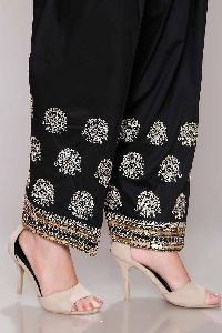 Revamp your wardrobe with style in Chinyere's exclusive collection of casuals, semi-formals and formals, available online Pakistani Party Wear, Indian Party Wear, Pakistani Dress Design, Pakistani Dresses, Indian Dresses, Indian Outfits, Patiala, Churidar, Salwar Kameez
