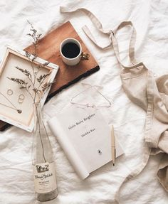 CLOSED - g i v e a w a y - Good morning! What's your reading goal for One of mine is to read more diversely. Most of diverse books… Brown Aesthetic, Autumn Aesthetic, Aesthetic Photo, Aesthetic Pictures, Flat Lay Photography, Tumblr Photography, Book Photography, Outdoor Photography, Book Flatlay