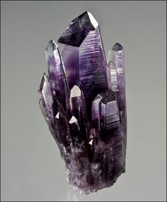 Amethyst from Mexico // Quartz Stone Minerals And Gemstones, Rocks And Minerals, Natural Crystals, Stones And Crystals, Gem Stones, Crystal Magic, Amethyst Crystal, Amethyst Cluster, Crystal Cluster