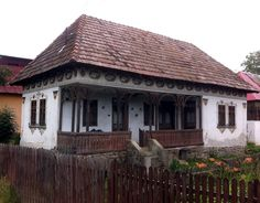 """Traditional houses in rural Romania (case traditionale romanesti) *** Upon arriving in her new home country in the young wife of Prince Carl of Romania noticed in her writings: """"Every R… Romania People, Rural House, House 2, Old Country Houses, London Pubs, Traditional House, New Homes, Real Estate, House Styles"""
