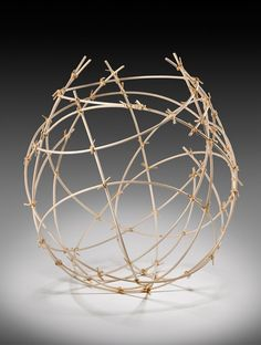 Jennifer Liston Dykema - Natural reed with raffia. Willow Weaving, Basket Weaving, Contemporary Baskets, Art Fil, Diy And Crafts, Arts And Crafts, Deco Nature, Organic Art, Textile Fiber Art