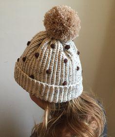 Crochet Patterns Jumper Free crochet patterns: LAdies' bobbly hat on LoveCrochet Bobble Crochet, Ribbed Crochet, Crochet Ball, Crochet Beanie, Free Crochet, Knitted Hats, Crochet Chain, Crochet Shorts, Blanket Crochet