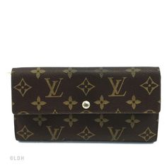 Louis Vuitton   More here: http://mylusciouslife.com/louis-vuitton-fall-2013-rtw-collection/