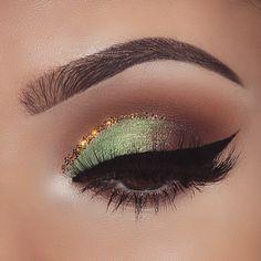 "Green @anastasiabeverlyhills self-made palette+single eyeshadow in caramel @tartecosmetics tarteist clay paint liner @anastasiabeverlyhills dipbrow+ brow powder duo in dark brown+clear brow gel @slaylashes ""euphoria"" lashes Inspired by @lupe_mua"
