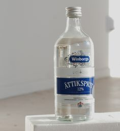 What exactly is ättika? Cleaning Hacks, Cleaning Supplies, Bra Hacks, Diy Projects To Try, Clean House, Good To Know, Tricks, Vodka Bottle, Helpful Hints
