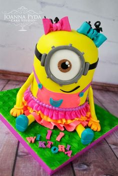 Lumo Minion Girl by Joanna Pyda Cake Studio