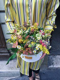 lúčne kvety Buy Flowers, Fresh Flowers, Cool Deck, Order Flowers Online, Local Florist, Wood Bridge, Bride Bouquets, Flower Boxes, Flower Delivery