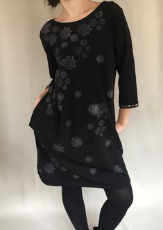 Cable Knit Cardigan, Cable Knit Sweaters, Straight Cut Jeans, Crochet Collar, Mermaid Skirt, Evening Gowns, Short Sleeve Dresses, Velvet, Dress Black