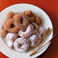 栗原はるみの母が作った思い出のドーナツレシピです。