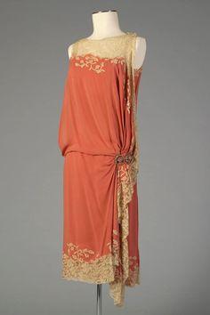 Kittyinva: 1926 Silk chiffon and lace dinner dress, American. From the Kent State University Museum.