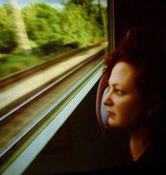 Nan Goldin - Self-portrait on the train, Boston - New Haven (1997)