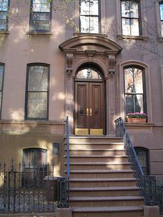 Carrie Bradshaw's apartment. The official single lady crib