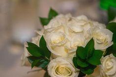 A lovely bouquet! 😍 •••••••••••••••••••••••••••••••••••••••••••••••• #eastbay #sfbayarea #sanfrancisco #californiavideographer #californiaphotographer #weddingphoto #weddingphotographer #weddingvideographer #wedding #sunset #weddingcinema #weddinginspiration #weddinginspo #bride #photooftheday #instawedding #weddingvenue #weddingfilm #detailshot #truelove #instalove #igdaily #norcal #styledshoot #cinematography #weddingdetails #decor #theknot #tablesettings #justmarried…