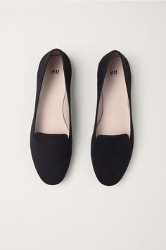 H&M Loafers Black - Loafers Outfit - Ideas of Loafers Outfit - Loafers Black Ladies Black Loafers Outfit, Black Flats Shoes, Black High Heels, Loafer Shoes, Loafers Men, Women's Shoes, Me Too Shoes, Shoe Boots, Ankle Boots