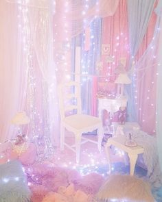 Oh my goodness!How much i love this stunning LED light string!That's so pinky and so amazing!Definitely keep it in mind for my next room design!