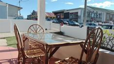 22OnBland - 22 On Bland is a charming guesthouse in the harbor town of Mossel Bay. The region is known for its moderate climate throughout the year.Golden beaches and a variety of natural, cultural and historical ... #weekendgetaways #mosselbay #gardenroute #southafrica #travel #selfcatering