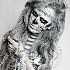 At least James Blunt thinks I'm beautiful Halloween Make Up, Halloween Face Makeup, Halloween Ideas, Halloween Zombie, Halloween Designs, Halloween Party, Skeleton Bodysuit, Skeleton Leggings, Diy Costumes