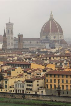 Florence Italy Photography and Travel Blog.  Florence Italy is a World Travel Destination and it lives up to every expectation you may have of this amazing Italian City.  There are a ton of Photography spots for anyone visiting this historical city in Italy.  Its a must-see, Bucket List destination for any traveler.  History and Photography is like nowhere else in the world.  See Florence Italy for yourself one day. #travelitaly #florenceitaly #Famousflorence