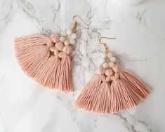 Boho style 562668547194600147 - Moonstone Chandelier Earrings Blush Pink Earrings Pink Fan Source by Pink Tassel Earrings, Chandelier Earrings, Diy Statement Earrings, Tassel Earing, Macrame Jewelry, Diy Jewelry, Jewellery, Fashion Jewelry, Gifts For Your Sister