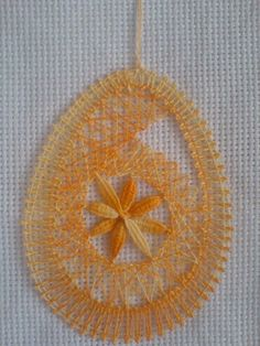Easter Egg Pictures, Lace Heart, Lace Jewelry, Bobbin Lace, Pictures Images, Lace Detail, Easter Eggs, Needlework, Crochet
