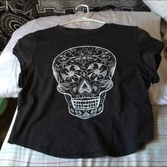 h&m grey crop top w/ skull design Brand new, H&M, cropped, medium H&M Tops Crop Tops