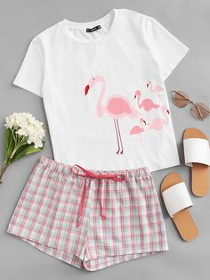SheIn offers Flamingo Print Cami & Plaid Shorts PJ Set & more to fit your fashionable needs. Cute Pajama Sets, Cute Pajamas, Girls Pajamas, Pajamas Women, Girls Fashion Clothes, Teen Fashion Outfits, Outfits For Teens, Cute Sleepwear, Loungewear