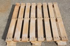 Helpful tips to disassemble a pallet