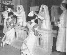 """Capping Ceremony de enfermeras """"Hermanas de la Caridad"""" (Siters of Mercy) en el Mercy Hospital (1960)"""