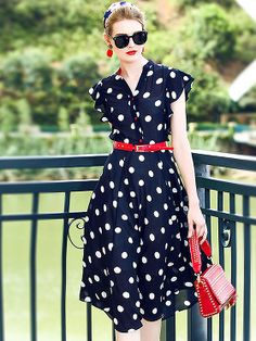 Chic V-Neck Petals Sleeve Dot Print Belted Skater Dress
