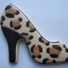 shoe cookie~ No source, leopard print heels High Heel Cookies, Shoe Cookies, Fancy Cookies, Iced Cookies, Brownie Cookies, Cupcake Cookies, Cookies Et Biscuits, Onesie Cookies, Yummy Cookies