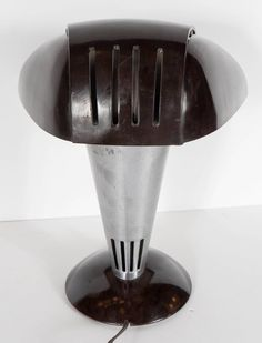 Art Deco Machine Age Polaroid Lamp by Walter Dorwin Teague image 7