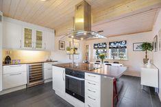 FINN – TVERLANDET - Flott enebolig med carport og garasje - Vannbåren varme Kitchen Island, Real Estate, House, Home Decor, Island Kitchen, Decoration Home, Home, Room Decor, Real Estates
