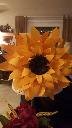 Metal Flowers, Fall Flowers, Paper Sunflowers, Wreaths, Decor, Autumn Flowers, Decoration, Door Wreaths, Deco Mesh Wreaths