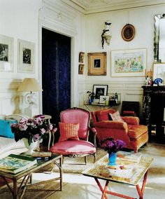 orange & pink velvet chairs... gorgeous room!