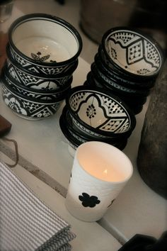 Tine K Home: Inspiration from Bohemia in Norway White Wood, Black And White, Southwestern Decorating, Bowls, Ceramic Tableware, Tuscan Style, Pink Love, Decorating Tips, Accent Decor