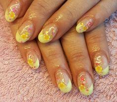 Fimoblumen mit glitter und Pastellgelb