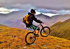 A friend's website - he is teaching pro mountain biking in Scotland. Awesome photos.