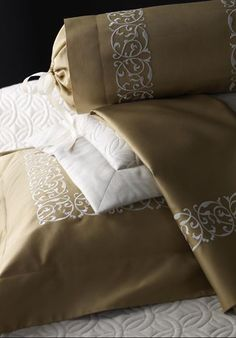 Custom sheets and cases | Luxury Bed Linens by Léron: