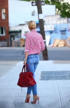 So chic, just a red and white striped shirt, skinny jeans, a red bag and some nude louboutin's to tie the entire outfit together!!!
