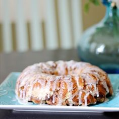 An easy weekend breakfast treat.  This Cinnamon Roll Coffee Cake  Canned cinnamon rolls get dressed up with vanilla pudding, cinnamon, etc.