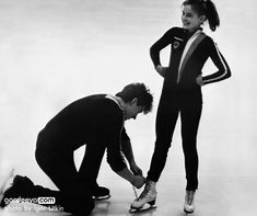 ekaterina gordeeva and sergei grinkov. Don't know the year here, but they started skating together when Katia was 10 and Sergei was Ice Skating Images, Sergei Grinkov, Stars On Ice, Tessa Virtue Scott Moir, Ice Show, Ice Skaters, Ice Dance, Olympic Sports, Movie Couples