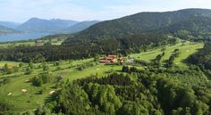 Der Margarethenhof Waakirchen Located high above Lake Tegernsee, this 4-star hotel in Waakirchen/Marienstein offers an 18-hole golf course, elegant spa facilities, and creative cuisine. Scenic hiking routes are only about 2 km away.