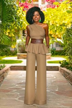 Style Pantry One Shoulder Peplum Top High Waist Wide Leg Pants Classy Outfits, Chic Outfits, Beautiful Outfits, Trendy Outfits, Fashion Pants, Fashion Dresses, Style Pantry, Looks Chic, Mode Inspiration