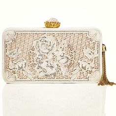 Dreaming Of Laser-Cut Embroideries - Resort 2014 - Marchesa Handbags Diy Purse, Clutch Purse, Little Bag, Purses And Handbags, Handbags 2014, Vintage Handbags, Marchesa, Beautiful Bags, Evening Bags