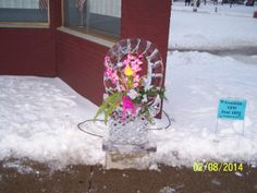 ice basket with real flowers
