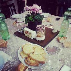 Twitter / @viva_lavivi: Arrivata a casa di @enricalazzarini, c'è un profumoooo!!!